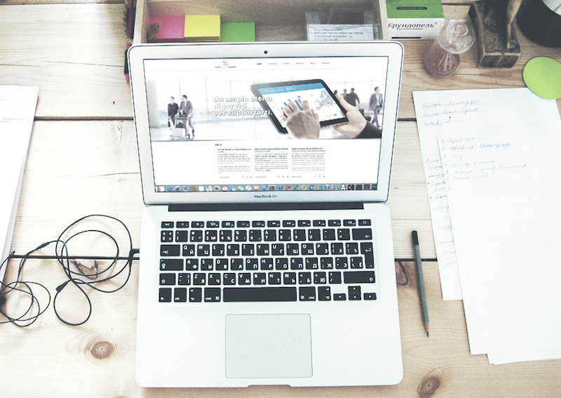 Ideative studio: tools for training web design